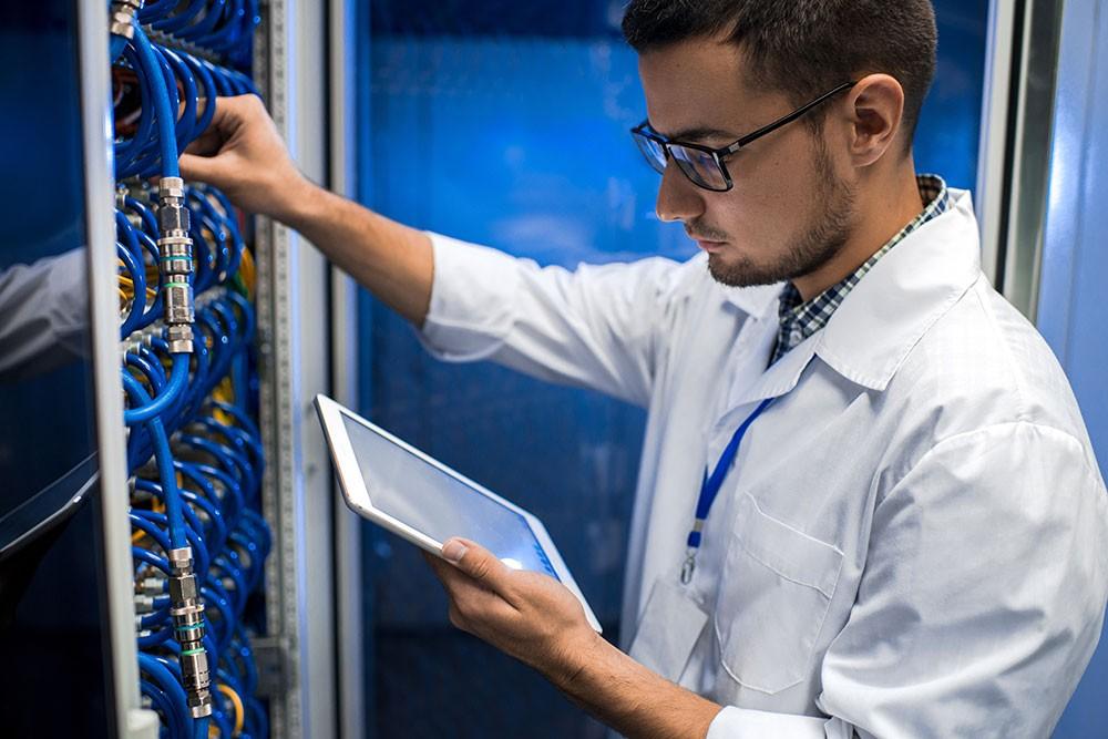 DEKOM sucht für Österreich IT-Techniker (m/w/d) für IP-basierenden Videosicherheitstechnik